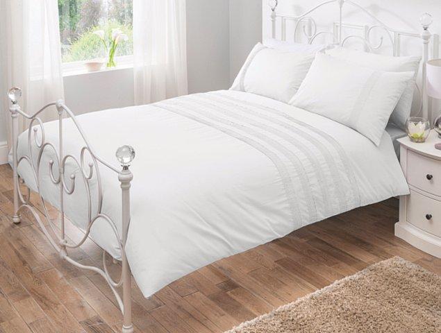 7. Eskimiş ve solgun çarşaflarınızın yerine, şöyle kaymak gibi bir çarşafınız olsa fena mı olur. Uyku kalitenizi kesinlikle artıracak bir alışveriş olur.