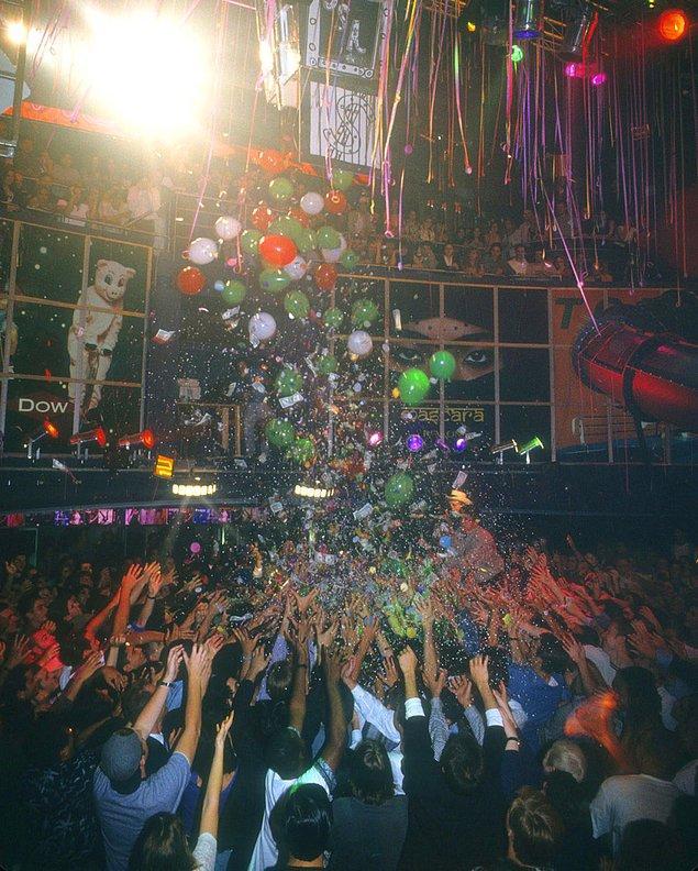 1. Club USA'de kutlama yapan dansçılar, 1993.