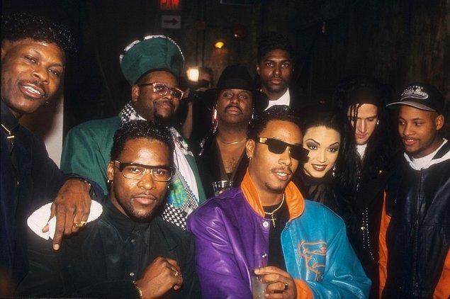 20. Prince'in yedek grubu The New Power Generation 1993'te poz verirken.