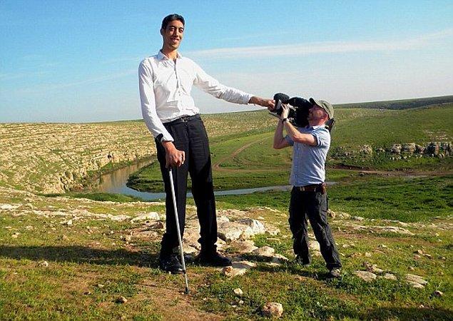 Bu arada dünyanın yaşayan en uzun erkeği rekoru halen Sultan Kösen ile Türkiye'de!