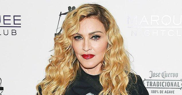 """12. Madonna önceleri """"çocuklarımı şımartmamaya çalışıyorum, mütevazı yaşıyorum"""" diyerek takdir toplamıştı. Fakat..."""