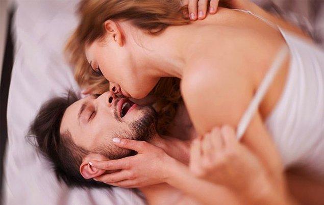 """Araştırmanın verdiği bir başka ilgi çekici sonuç ise kadın orgazmının en çok da """"oral seks""""e bağlı olduğu gerçeği."""