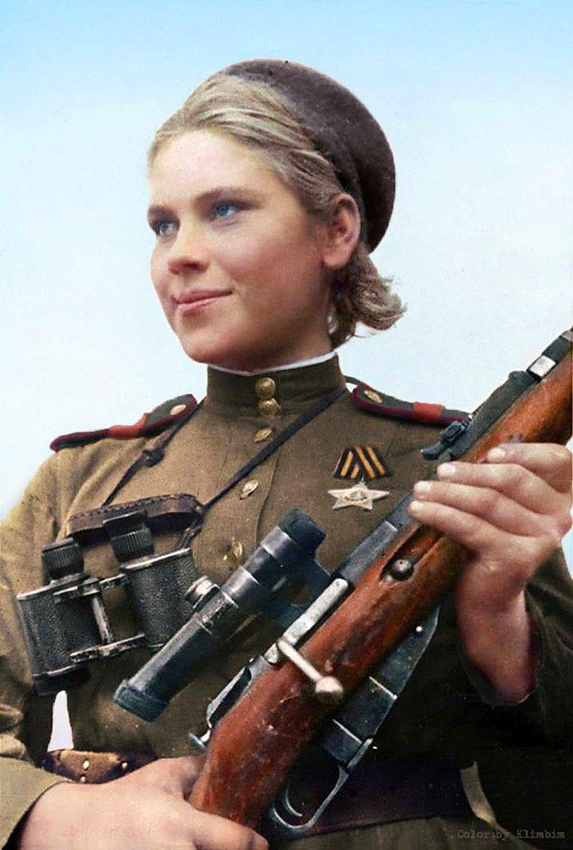 Bagration Harekatı'nın başlamasının ardından, kadın sniper'ların cephelerden çekilmesine hükmedildi. Fakat onlar gönüllü olarak görev vermeye devam etti. Shanina da onlardan biriydi.