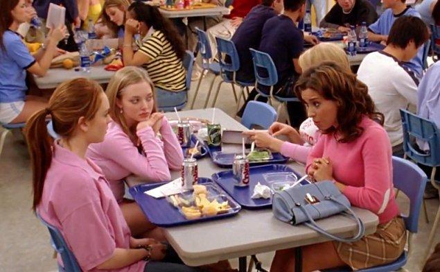 9. …ama Gretchen ve Karen o çarşamba diyet kolaya geçiş yapmış.