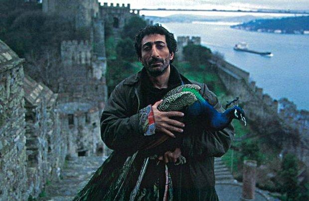 Tabutta Rövaşata   1996   IMDB / 7,9
