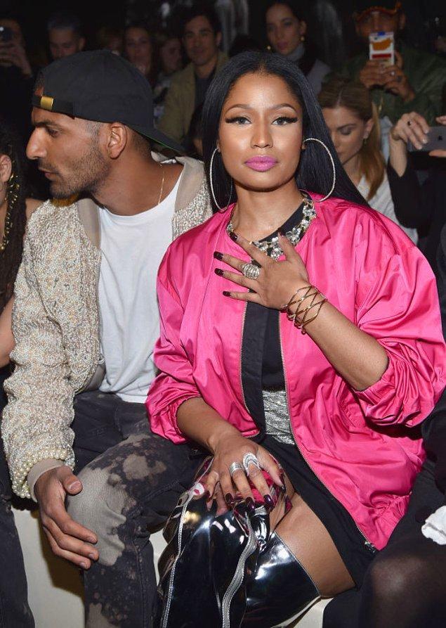 Nicki Minaj ne zamandır sessiz sakin takılıyor diye düşünürken...