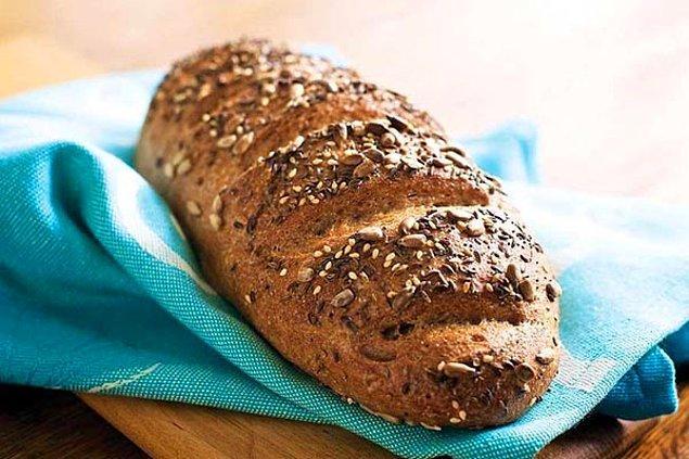 4. Kepekli ekmek kuru kuru gitmez diyenlere kuru domatesli kepekli ekmek tarifi!