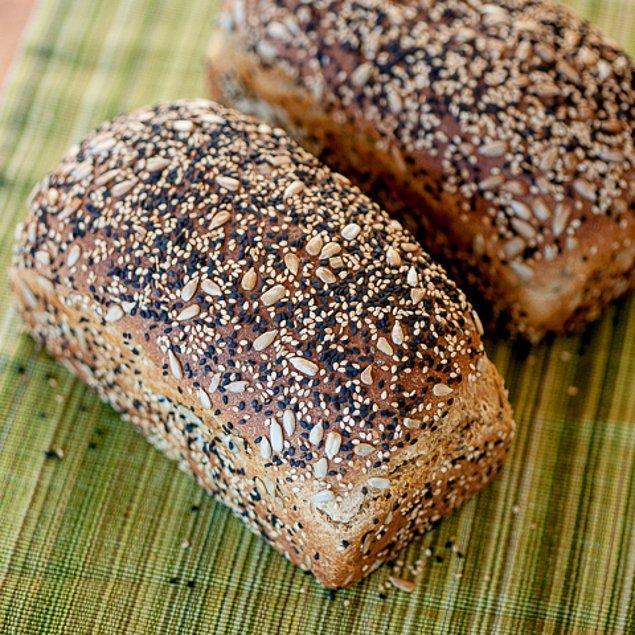 9. Bu kepekli ekmeğin içinde yok yok!