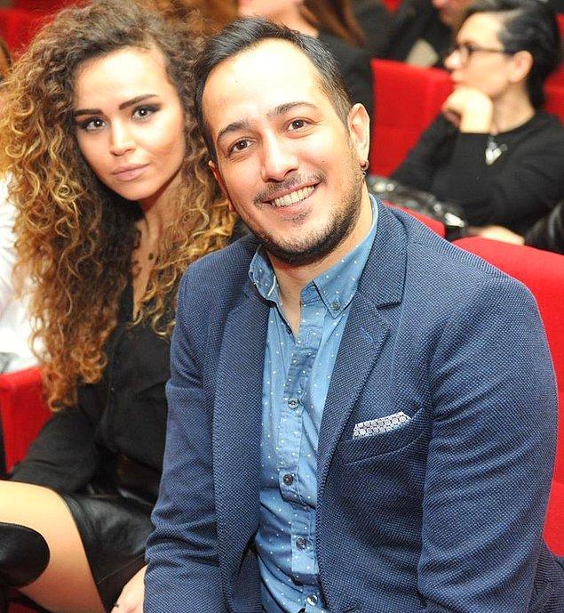 1. Ünlü oyuncu Sarp Apak ve uzun süredir birlikte olduğu sevgilisi Bengisu Uzunöz, mayıs ayında Barcelona'da evlenmeyi planlıyor.