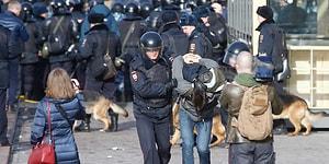 Rusya'da Yolsuzluk Karşıtı Gösteriler: Yüzlerce Gözaltı Var, Muhalif Lidere Hapis Cezası