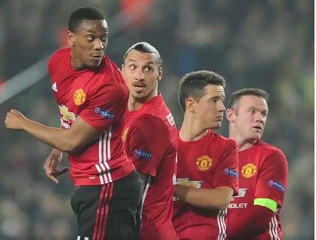 1. Lens'in Manchester United'a attığı frikik golü