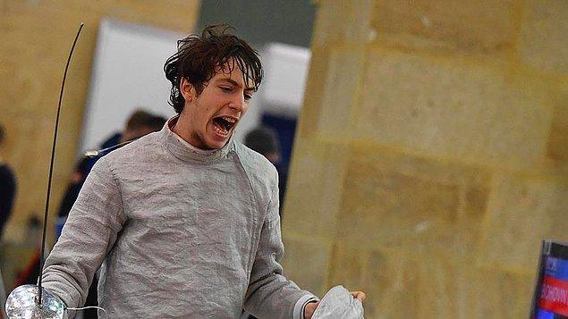 Bulgaristan'ın Filibe kentinde düzenlenen Yıldızlar ve Gençler Dünya Şampiyonası'na katılan İbrahim Ahmed Acar, tarihi bir başarıya daha imza attı.