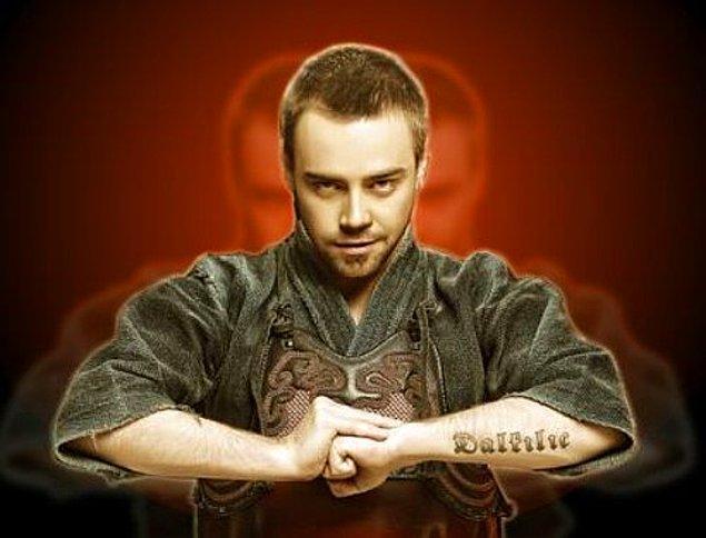 9. Murat Dalkılıç ise dövme konusunda yaratıcılığını pek de zorlamayan isimlerden biri!