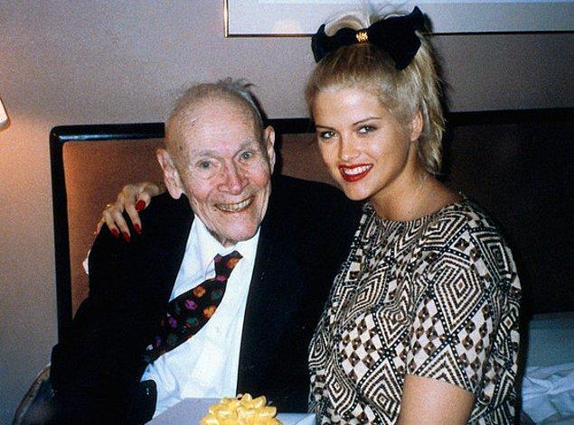 """Lakin bir sorun vardı: J. Howard Marshall isimli bu """"hayat kurtaran"""" beyenfendi, Anna ile tanıştığında tam tamına 89 yaşındaydı."""