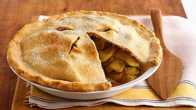 9. İçi elma dolu sıcacık pay.