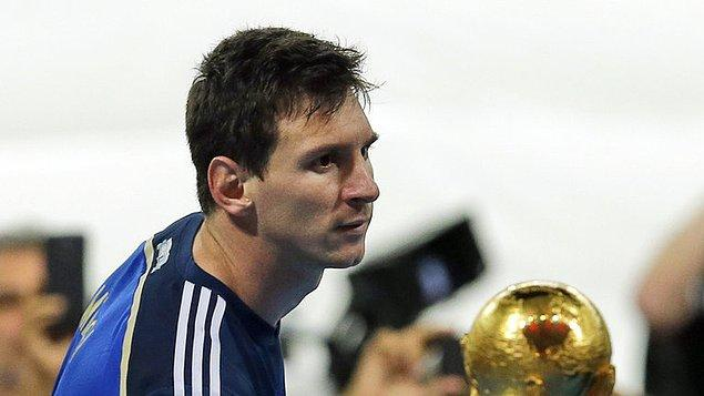 1. Arjantin'in tarihte iki Dünya Kupası şampiyonluğu bulunuyor fakat Lionel Messi henüz sürekli kıyaslandığı Maradona'nın yakaladığı bu başarıya ulaşamadı.