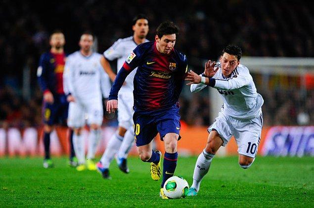 8. Messi, Xavi'nin 42 kez El Clasico'da forma giyme rekorunu da henüz yakalayamadı.