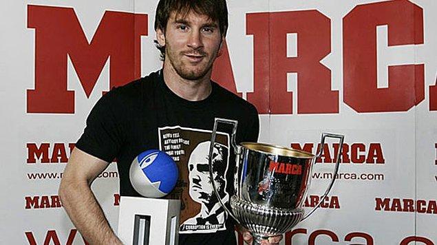 11. La Liga'da en çok gol atan isme verilen 'Pichichi' ödülünü 3 kez kazanan Lionel Messi, bu ödülü kariyeri boyunca 6 kez kazanan Zarra'yı henüz geçemedi.