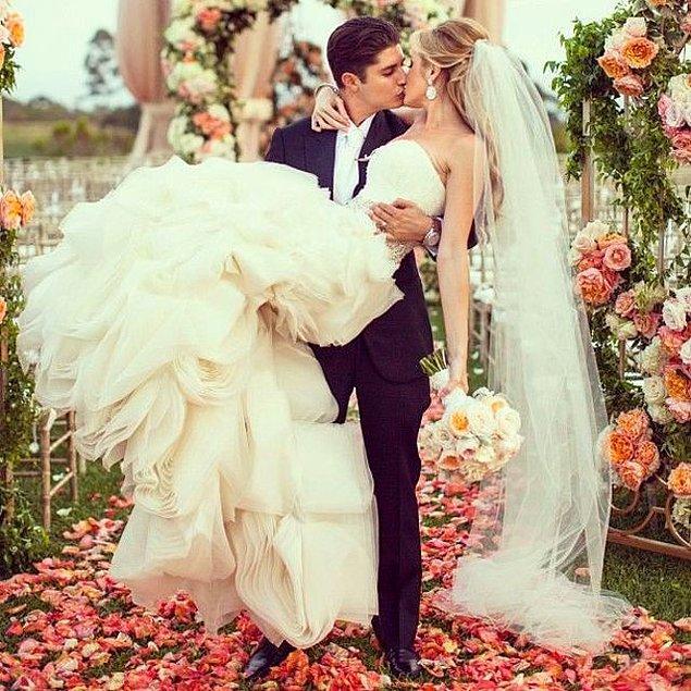 6. Ve en önemli soru: Bu güzelliklerden hangisini düğün gününde giymek istersin?