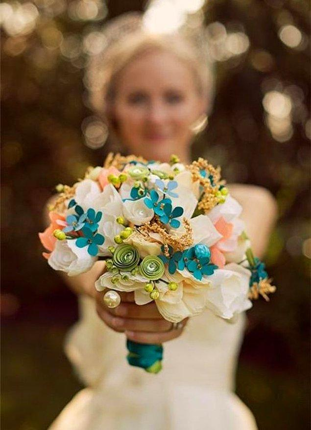 5. Bekar arkadaşlarına dans eşliğinde fırlatacağın çiçek bunlardan hangisi olsun?