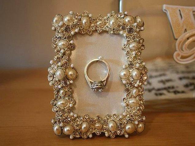 3. Peki, nişan yüzüğün bunlardan hangisi olsun istersin?