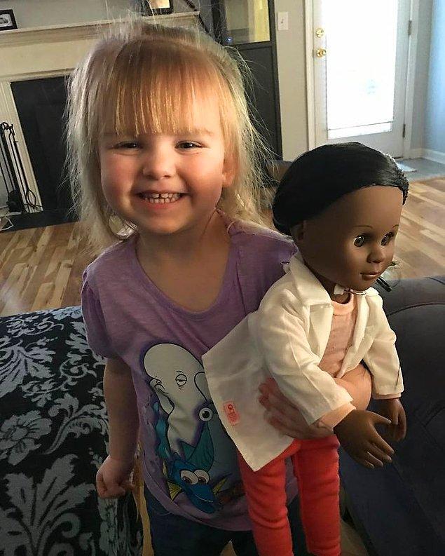 ABD'nin South Carolina eyaletinde yaşayan Sophia Benner sadece 2 yaşında. Büyüyünce doktor olmak istiyor.