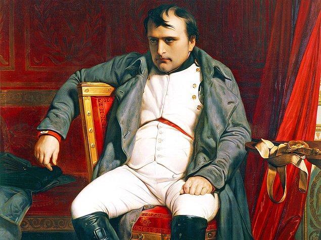 2. 1800'de Napoleon, tabloyu yatak odasının baş köşesine astırdı.