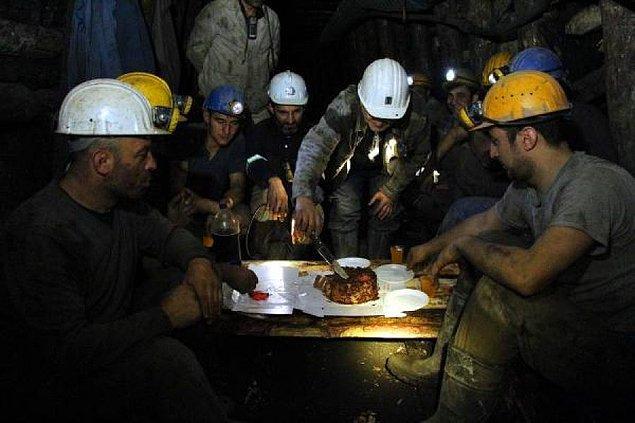 """5. """"Bu akşam Soma'daki maden işçilerimizle iftar yapıyoruz. Söz onlarda..."""""""