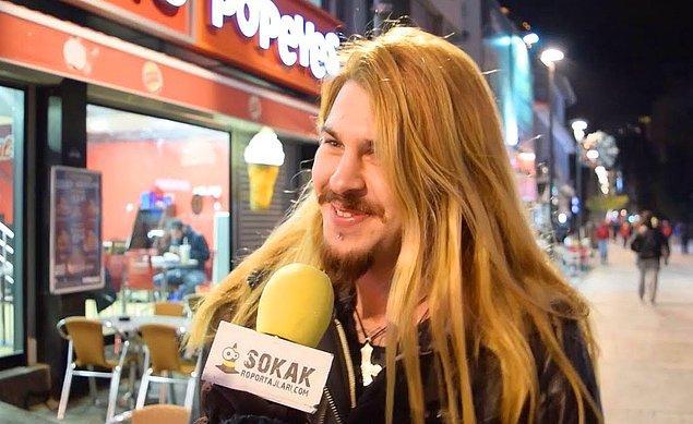 """21. """"Sokak Röportajları ekibi dünyanın dört bir tarafında dolaşmaya devam ediyor. Bu sefer farklı ülkelere 'Türkiye veya Türk deyince aklınıza ne geliyor?' diye sorduk. İşte yanıtlar..."""""""