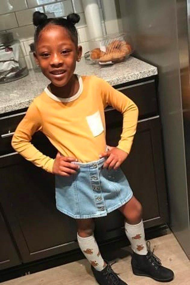 Sarratt ve Ace'in bir de Antoine Jr. adında oğulları var. Sarratt kızları Sailor'un genellikler muhafazakar tarzda giyinmeyi sevdiğini söylüyor.