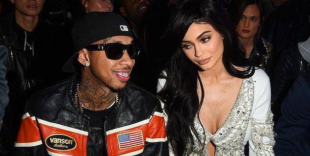 19 yaşındaki Kylie Jenner ve 27 yaşındaki rap yıldızı Tyga, Kylie'nin 6 milyon dolarlık Kaliforniya malikanesinde yaşıyorlardı.