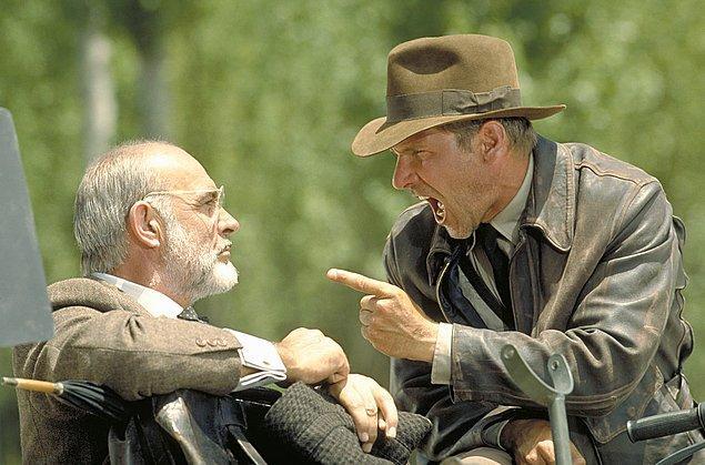 4. Indiana Jones serisinin 3. filminde baba oğulu oynayan Sean Connery ve Harrison Ford'un arasında 12 yaş fark vardı.