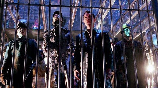 17. Yapay Zeka filmi boyunca gördüğümüz el, kol ve ayakları eksik olan robotları gerçek hayatta ampütasyon yapılan insanlar canlandırdı.