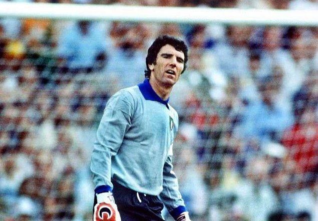 30. Dino Zoff / İtalya