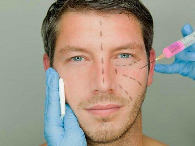 Erkekler gün geçtikçe plastik cerrahinin nimetlerinden daha fazla yararlanıyor.