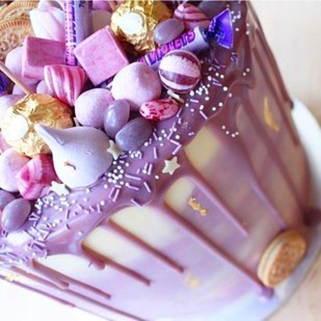 Bu pastaların tamamı 23 yaşındaki Lily McLeod'un ellerinden çıktı.