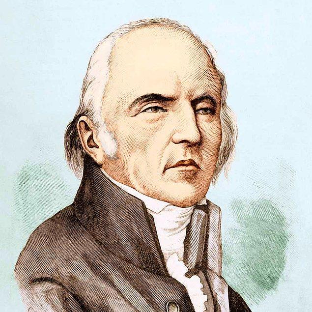 Bir başka yanlış bilgi ise Darwin'in evrim teorisini şekillendiren ilk bilim insanı olduğudur.