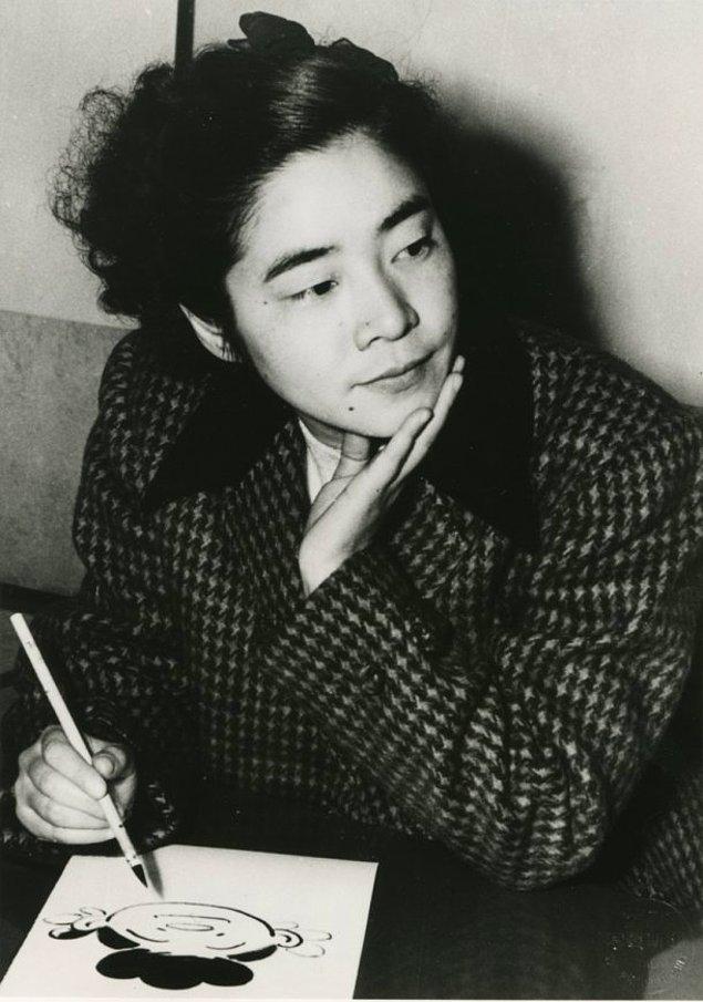 Örneğin; ayakları yere basan güçlü bir ev kadınının başından geçenleri anlatan Sazae-san (1946) hikayesi gibi...