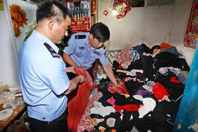Polis evde bulunan külot ve sütyen sayısının 3000-5000 arası olduğunu tahmin ediyor.