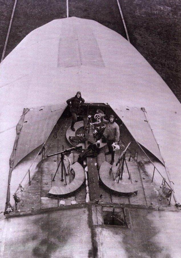 3. Bir Alman zeplininde bulunan makineli tüfek konumu, 1916.