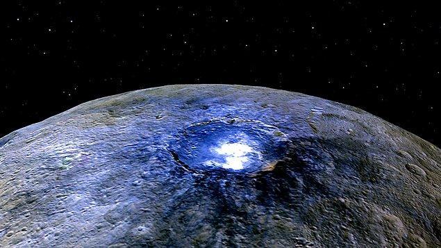 DeeDee, Güneş Sistemi'nin en büyük cüce gezegeni olan Ceres'in üçte ikisi büyüklüğünde.
