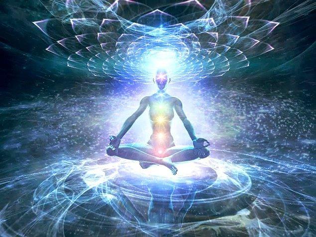 Kundalini enerjisinin uyanması, fiziksel, zihinsel ve duygusal bir takım semptomlar ortaya çıkarabilmektedir.