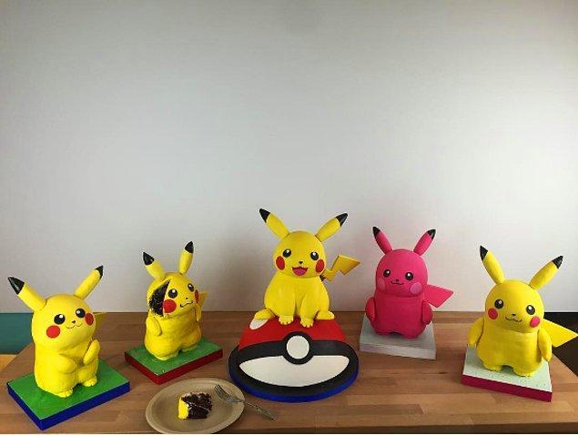 12. Bir sürü Pikachu 😍😆