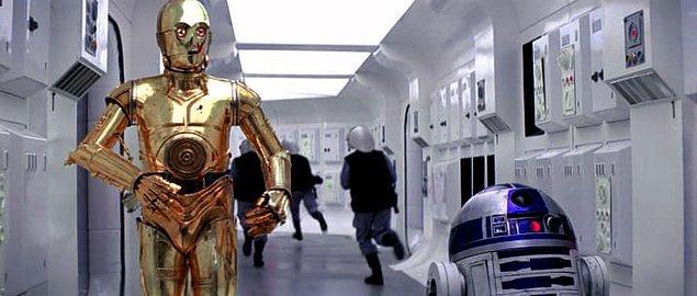 1. R2-D2'nun aslında replikleri vardı.