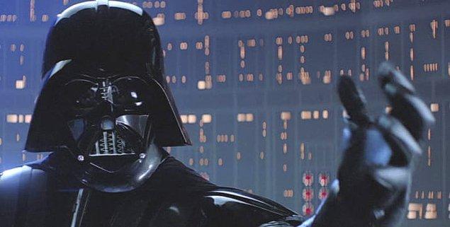 31. Luke ve Darth Vader hakkındaki gerçeği, Bölüm V çıkana kadar neredeyse kimse bilmiyordu.
