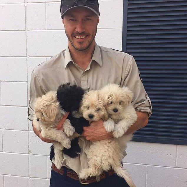 Onun için köpeklere yardım etmek yalnızca bir iş değil, aynı zamanda tutku ve hobi.