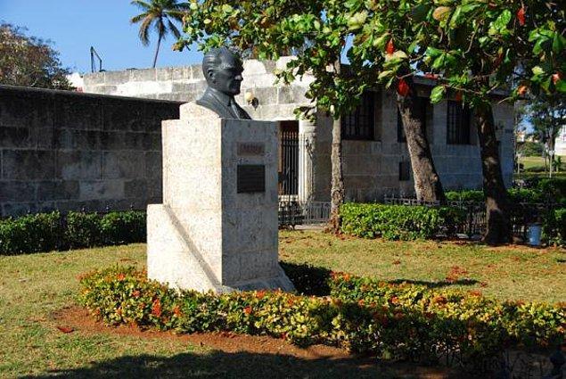 5. Palacio de los Capitanes Generales