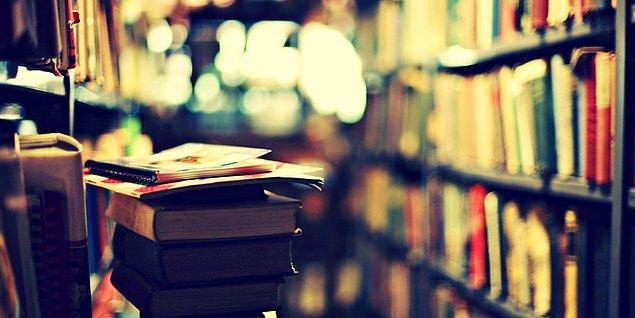 Sen tam edebiyat âşığısın!
