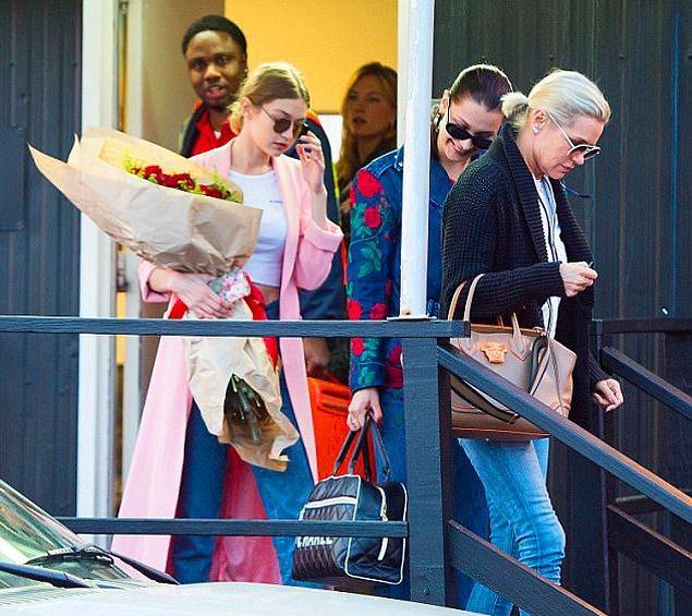 Bu özel gününde en yakınları da güzel modeli yalnız bırakmadı. Onlar da helikopterlere atlayıp, Gigi'nin partisi için New York'a uçtular.