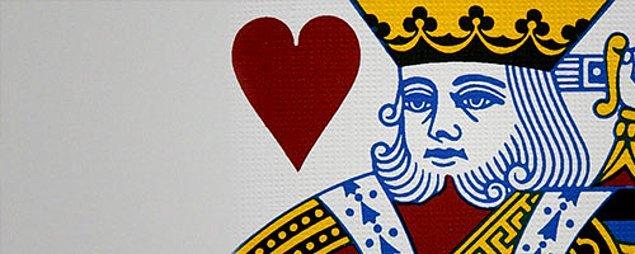 9. Standart kart destesinde yalnızca kupa papazının bıyığı yoktur.
